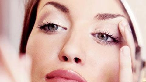 Comment épiler définitivement vos sourcils ?